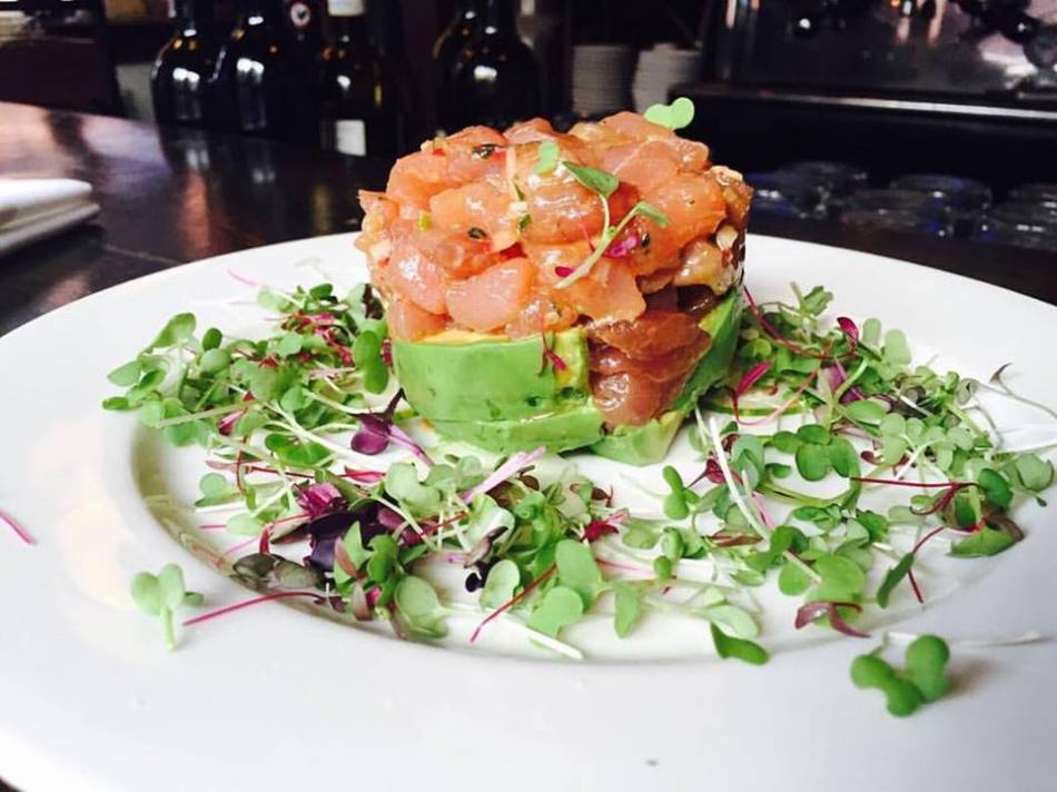 NYC Italian Food - Tartara di Salmone at Acqua at Peck Slip